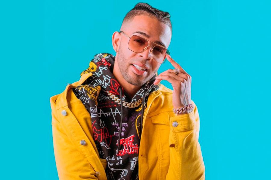 Lírico en la Casa firma con el sello discográfico de Pitbull