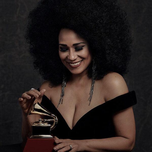 """La cantante cubana Aymée Nuviola estrena el videoclip """"El Espacio"""""""