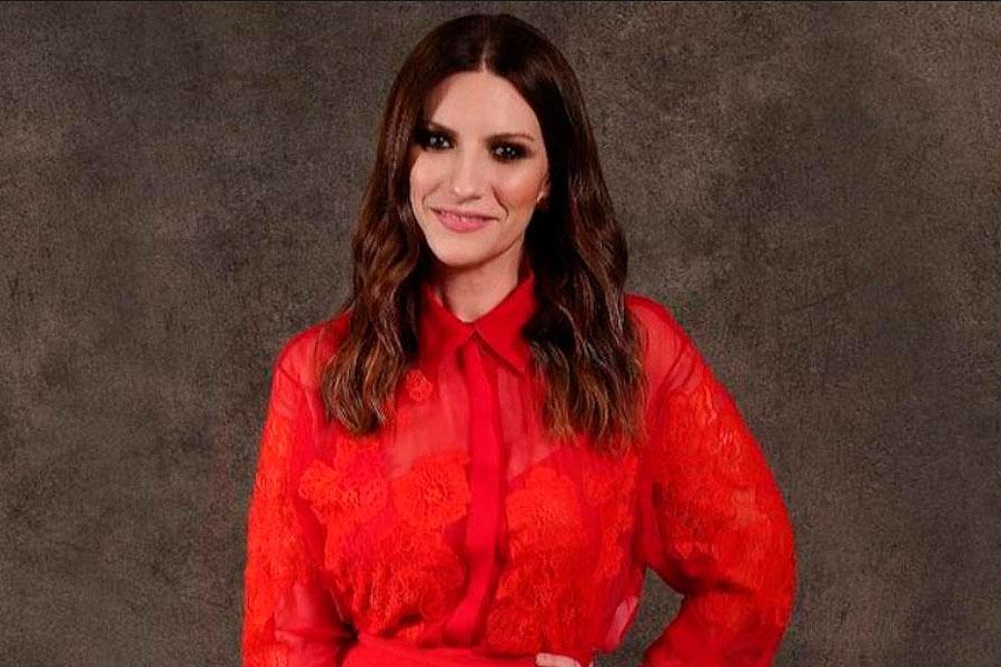 Laura Pausini emocionada tras ganar su primer Globo de Oro a Mejor Canción