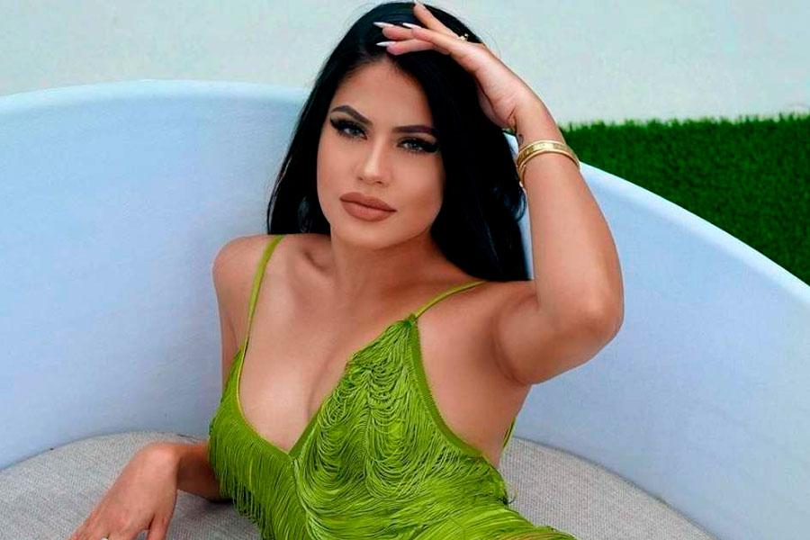 La Dura se muestra como una diosa en sus nuevas fotos en bikini